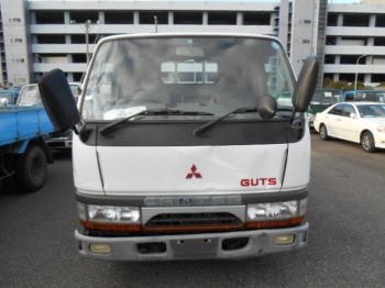 MitsubishiCanterFB1997-501B-432788Frontview.JPG