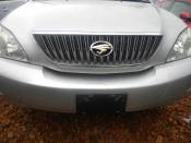 Toyota_Harrier_2004_Silver_frontview1.JPG