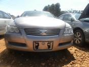 Toyota_Mark_X_2006_Silver_frontview1.JPG