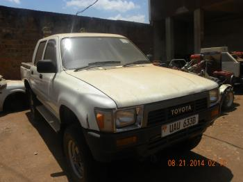 ToyotaHilux96-1FrontView.JPG
